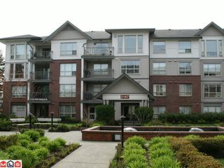"Photo 8: 202 2167 152ND Street in Surrey: Sunnyside Park Surrey Condo for sale in ""MUIRFIELD GARDENS"" (South Surrey White Rock)  : MLS®# F1008481"