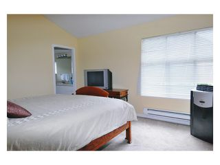 """Photo 9: 97 12099 237TH Street in Maple Ridge: East Central Townhouse for sale in """"THE GABRIOLA"""" : MLS®# V843157"""