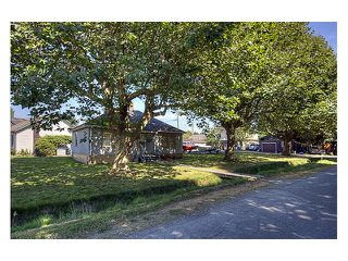 "Photo 4: 2120 HUDSON Avenue in Richmond: Sea Island House for sale in ""BURKEVILLE"" : MLS®# V847425"