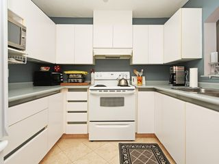 "Photo 2: 213 2990 PRINCESS Crescent in Coquitlam: Canyon Springs Condo for sale in ""Madison"" : MLS®# R2397836"