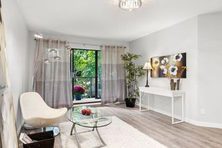 """Main Photo: 213 2222 PRINCE EDWARD Street in Vancouver: Mount Pleasant VE Condo for sale in """"SUNRISE ON THE PARK"""" (Vancouver East)  : MLS®# R2407409"""