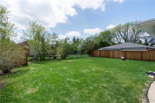Photo 34: 14 McDowell Drive in Winnipeg: Charleswood Residential for sale (1G)  : MLS®# 202011526