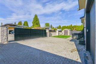Photo 37: 1217 LAMERTON Avenue in Coquitlam: Harbour Chines House for sale : MLS®# R2495027