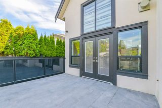 Photo 34: 1217 LAMERTON Avenue in Coquitlam: Harbour Chines House for sale : MLS®# R2495027