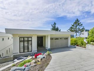 Photo 25: 14479 MARINE Drive: White Rock House for sale (South Surrey White Rock)  : MLS®# R2498002