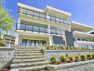Photo 1: 14479 MARINE Drive: White Rock House for sale (South Surrey White Rock)  : MLS®# R2498002