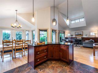 Photo 14: 846 Bluffs Dr in : PQ Qualicum Beach House for sale (Parksville/Qualicum)  : MLS®# 858401