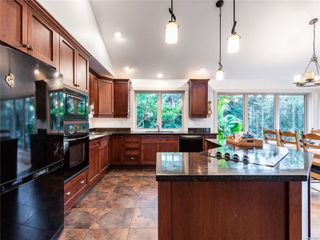 Photo 11: 846 Bluffs Dr in : PQ Qualicum Beach House for sale (Parksville/Qualicum)  : MLS®# 858401