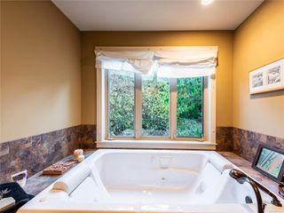 Photo 29: 846 Bluffs Dr in : PQ Qualicum Beach House for sale (Parksville/Qualicum)  : MLS®# 858401
