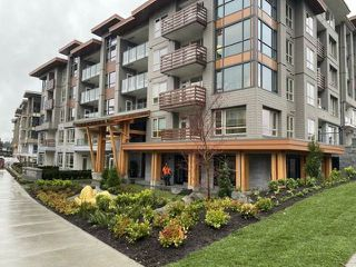 Photo 1: 407 2663 LIBRARY Lane in North Vancouver: Lynn Valley Condo for sale : MLS®# R2528321