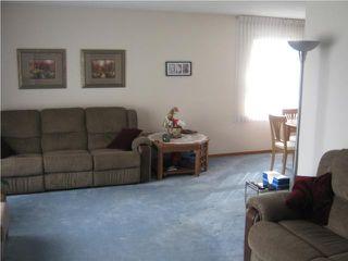 Photo 2: 889 London Street in WINNIPEG: East Kildonan Residential for sale (North East Winnipeg)  : MLS®# 1007629