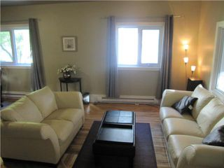 Photo 3: 546 LANGEVIN Street in WINNIPEG: St Boniface Residential for sale (South East Winnipeg)  : MLS®# 1013366