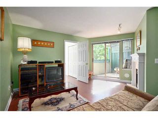 """Photo 3: 208 688 E 16TH Avenue in Vancouver: Fraser VE Condo for sale in """"VINTAGE EAST SIDE"""" (Vancouver East)  : MLS®# V850110"""