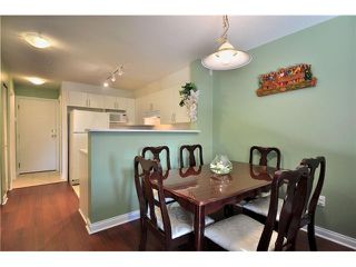 """Photo 8: 208 688 E 16TH Avenue in Vancouver: Fraser VE Condo for sale in """"VINTAGE EAST SIDE"""" (Vancouver East)  : MLS®# V850110"""