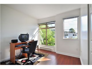 """Photo 6: 208 688 E 16TH Avenue in Vancouver: Fraser VE Condo for sale in """"VINTAGE EAST SIDE"""" (Vancouver East)  : MLS®# V850110"""