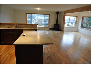 "Photo 3: 5459 DERBY Road in Sechelt: Sechelt District House for sale in ""WEST SECHELT"" (Sunshine Coast)  : MLS®# V860608"