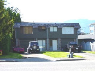 Photo 2:  in Chilliwack: House for sale