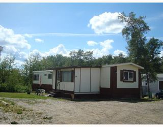 """Main Photo: 35 7414 FOREST LAWN Street in Fort_St._John: Fort St. John - Rural E 100th Manufactured Home for sale in """"FOREST LAWN MOBILE HOME PARK"""" (Fort St. John (Zone 60))  : MLS®# N185076"""