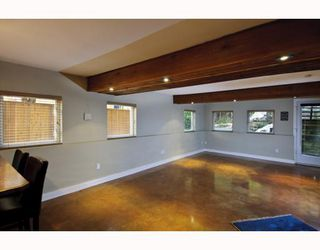 Photo 25: 1943 ROCKCLIFF Road in North_Vancouver: Deep Cove House for sale (North Vancouver)  : MLS®# V751043