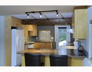 Photo 26: 1943 ROCKCLIFF Road in North_Vancouver: Deep Cove House for sale (North Vancouver)  : MLS®# V751043