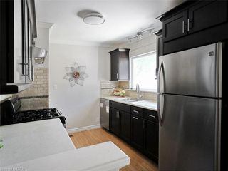 Photo 9: 481 MOORE Street in London: South F Residential for sale (South)  : MLS®# 210435
