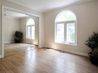 Photo 18: 481 MOORE Street in London: South F Residential for sale (South)  : MLS®# 210435