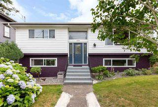 Photo 2: 15754 BUENA VISTA Avenue: White Rock House for sale (South Surrey White Rock)  : MLS®# R2391499