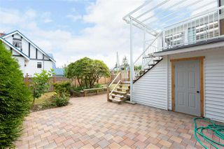 Photo 19: 15754 BUENA VISTA Avenue: White Rock House for sale (South Surrey White Rock)  : MLS®# R2391499
