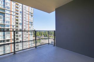 """Photo 15: 1201 3096 WINDSOR Gate in Coquitlam: New Horizons Condo for sale in """"MANTYLA"""" : MLS®# R2393468"""