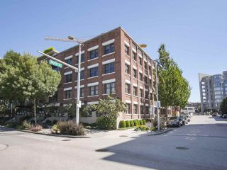 "Main Photo: 409 388 W 1ST Avenue in Vancouver: False Creek Condo for sale in ""EXCHANGE"" (Vancouver West)  : MLS®# R2401559"