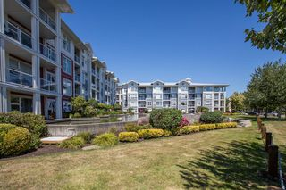 "Photo 19: 418 4600 WESTWATER Drive in Richmond: Steveston South Condo for sale in ""COPPER SKY"" : MLS®# R2423077"