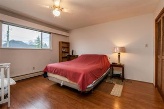 Photo 10: 6160 175A Street in Surrey: Cloverdale BC House for sale (Cloverdale)  : MLS®# R2429632