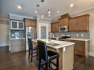 Photo 2: 3403 Cameron Heights Cove in Edmonton: Zone 20 Attached Home for sale : MLS®# E4187126