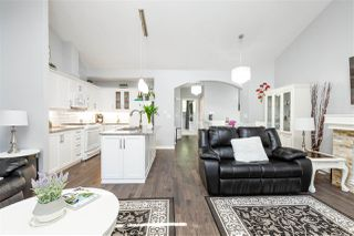 """Photo 4: 61 2588 152 Street in Surrey: King George Corridor Townhouse for sale in """"Woodgrove"""" (South Surrey White Rock)  : MLS®# R2480790"""