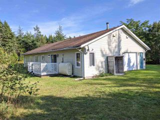 Photo 3: 346 Seaview Drive in North Sydney: 205-North Sydney Residential for sale (Cape Breton)  : MLS®# 202019912
