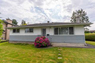 "Photo 2: 5054 CENTRAL Avenue in Delta: Hawthorne House for sale in ""Hawthorne"" (Ladner)  : MLS®# R2513137"