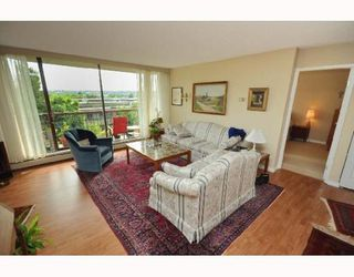 "Photo 2: 404 2445 W 3RD Avenue in Vancouver: Kitsilano Condo for sale in ""CARRIAGE HOUSE"" (Vancouver West)  : MLS®# V786416"