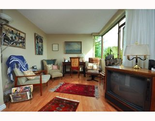 "Photo 5: 404 2445 W 3RD Avenue in Vancouver: Kitsilano Condo for sale in ""CARRIAGE HOUSE"" (Vancouver West)  : MLS®# V786416"