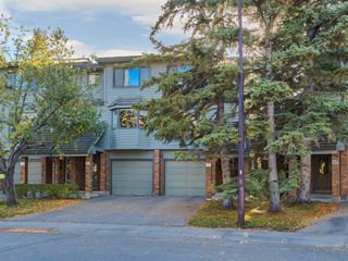 Photo 2: 133 Point Drive NW in Calgary: Point McKay Row/Townhouse for sale : MLS®# A1056926