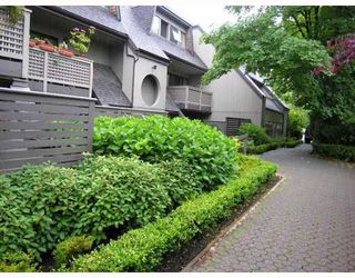 Photo 1: 3166 MOUNTAIN Highway in North_Vancouver: Lynn Valley Townhouse for sale (North Vancouver)  : MLS®# V725396