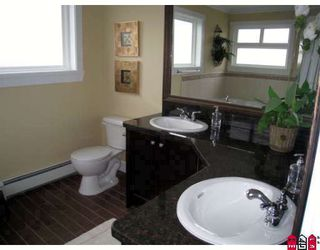 """Photo 7: 21073 84TH Avenue in Langley: Willoughby Heights House for sale in """"Yorkson"""" : MLS®# F2901083"""