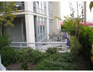 """Photo 4: 213 2055 YUKON Street in Vancouver: Mount Pleasant VW Condo for sale in """"THE MONTREAUX"""" (Vancouver West)  : MLS®# V754266"""
