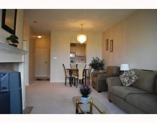 "Photo 1: 1504 6838 STATION HILL Drive in Burnaby: South Slope Condo for sale in ""BELGRAVIA"" (Burnaby South)  : MLS®# V773599"