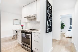"""Photo 5: 304 2935 SPRUCE Street in Vancouver: Fairview VW Condo for sale in """"LANDMARK CAESAR"""" (Vancouver West)  : MLS®# R2410908"""