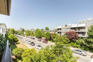"""Photo 17: 304 2935 SPRUCE Street in Vancouver: Fairview VW Condo for sale in """"LANDMARK CAESAR"""" (Vancouver West)  : MLS®# R2410908"""