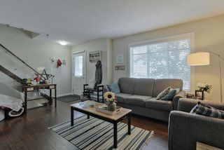 Photo 2: 3 9515 160 AV NW in Edmonton: Zone 28 Townhouse for sale : MLS®# E4166148