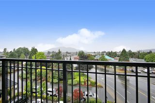 "Photo 16: 417 8531 YOUNG Road in Chilliwack: Chilliwack W Young-Well Condo for sale in ""The Auburn"" : MLS®# R2484200"