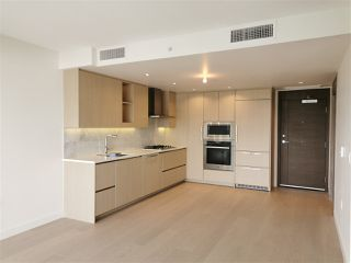 "Photo 3: 2616 89 NELSON Street in Vancouver: Yaletown Condo for sale in ""THE ARC"" (Vancouver West)  : MLS®# R2493016"