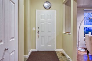 """Photo 2: 19 8568 209 Street in Langley: Walnut Grove Townhouse for sale in """"Creekside Estates"""" : MLS®# R2494218"""