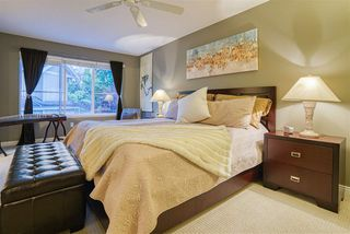 """Photo 15: 19 8568 209 Street in Langley: Walnut Grove Townhouse for sale in """"Creekside Estates"""" : MLS®# R2494218"""